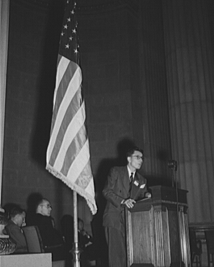 delegate_from_poland_addressing_international_student_assembly_1942_owi_732